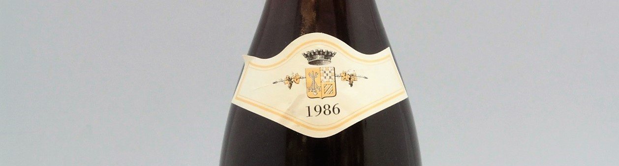 the picture shows a bottle of the 1986 vintage