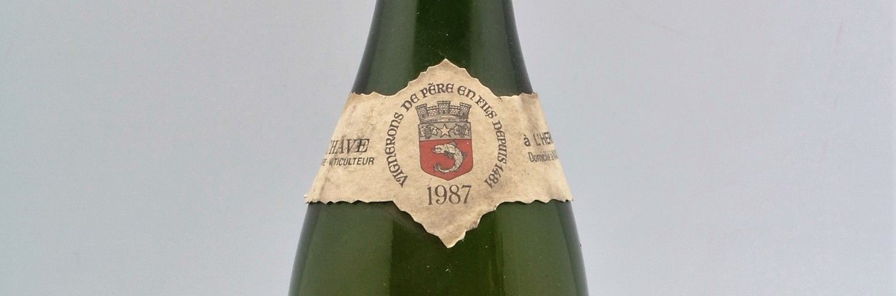the picture shows a bottle of the 1987 vintage
