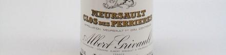 La photo montre une bouteille de vin du domaine Albert Grivault en Bourgogne
