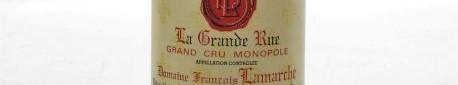 La photo montre une bouteille de vin grand cru la grande rue du Domaine francois lamarche situé à vosne romanée en cote de nuit en Bourgogne