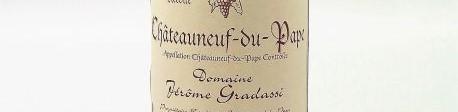 La photo montre une bouteille de vin du domaine Gradassi dans le Rhone
