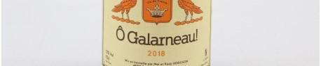 La photo montre une bouteille de vin du domaine Hodgson Mai et Kenji dans la Loire