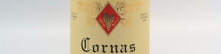 La photo montre une bouteille de Cornas du domaine Clape Auguste dans le rhone nord