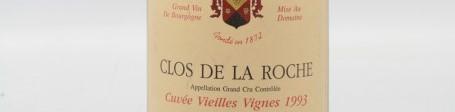 La photo montre une bouteille de vin CLOS DE LA ROCHE GRAND CRU du Domaine PONSOT situé A MOREY SAINT DENIS en Bourgogne