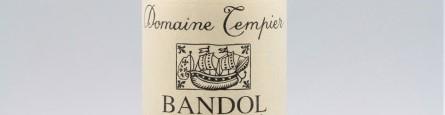 La photo montre une bouteille du grand vin du domaine tempier à bandol