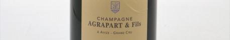 La photo montre une bouteille de Champagne du domaine Agrapart