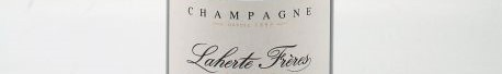 La photo montre une bouteille de champagne du domaine Laherte Freres