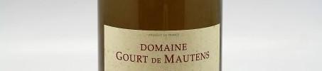 La photo montre une bouteille de vin de l'appellation Rasteau du domaine Gourt de Mautens dans la Vallée du Rhone