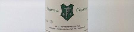 La photo montre une bouteille de l'appelation Chateauneuf du Pape du domaine Henr Bonneau dans la Vallée du Rhone Nord.
