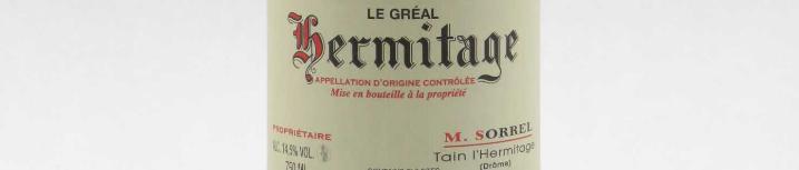 La photo montre une bouteille de l'appellation Hermitage du domaine Marc Sorrel dans la Vallée du Rhône.